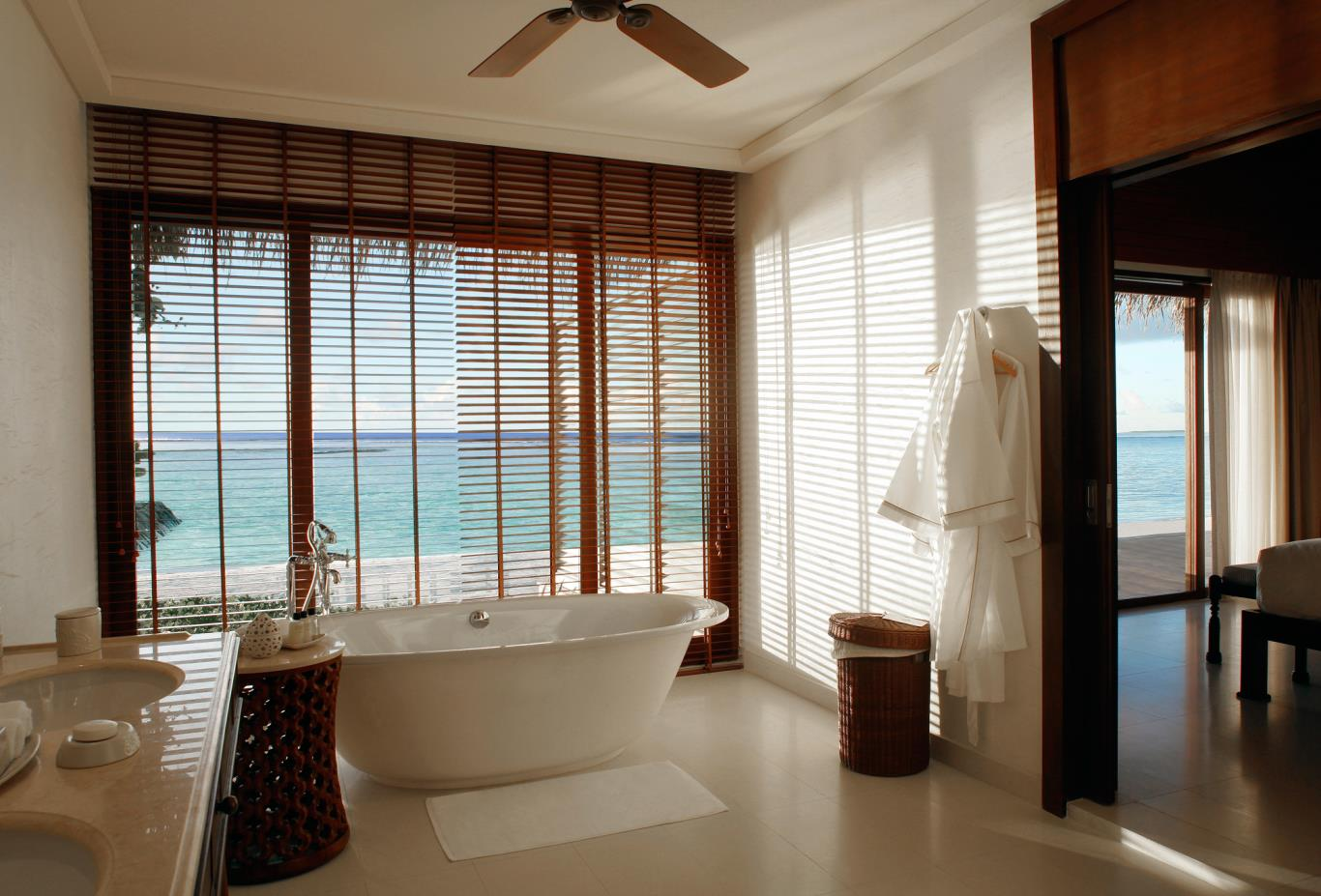 Bathroom--Beach-villa