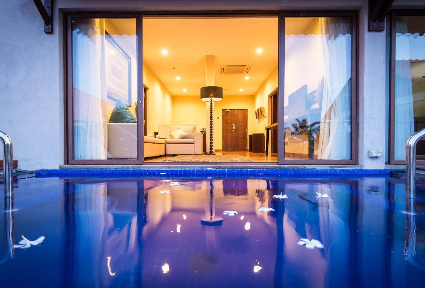Bay Suite Plunge Pool