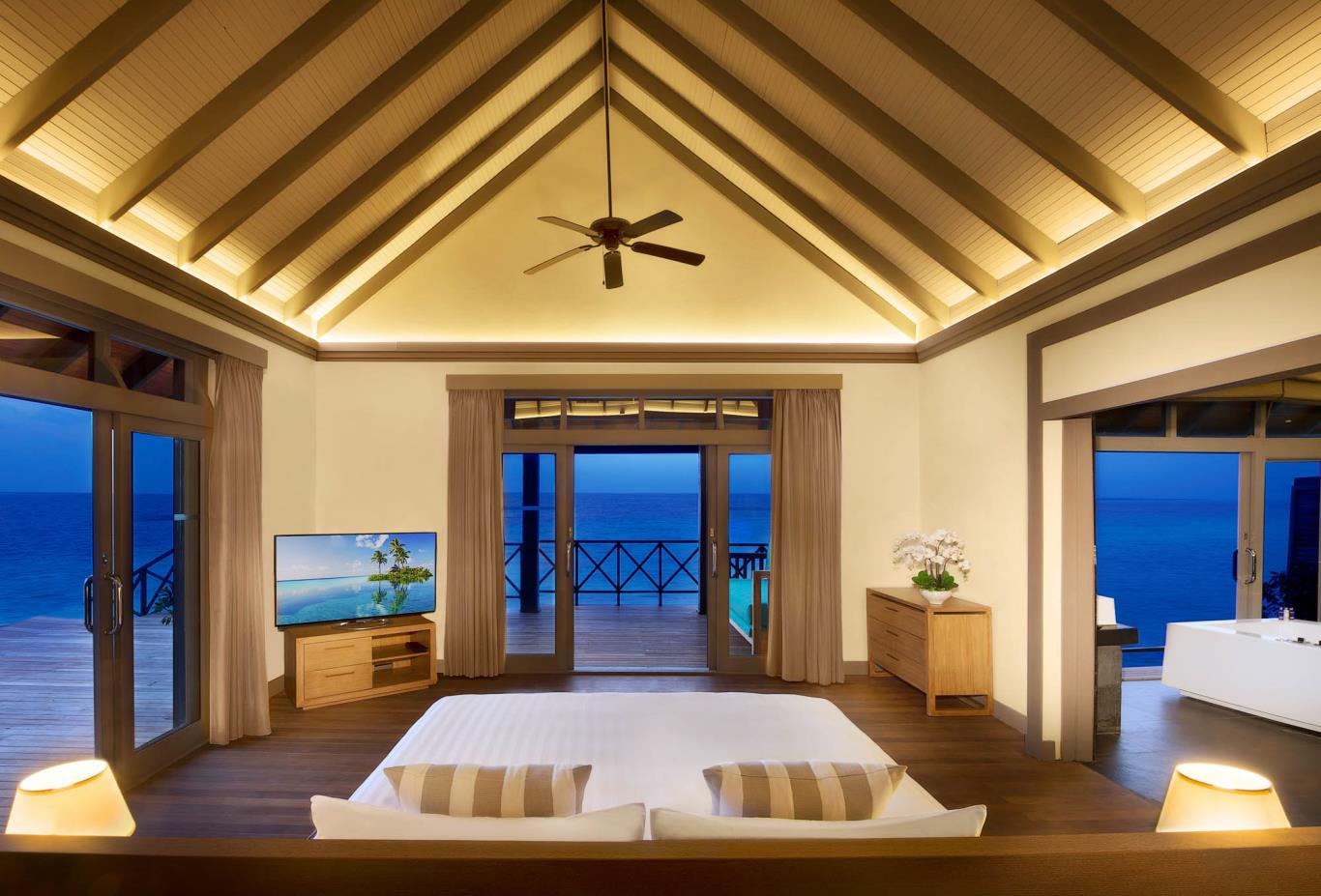 Grand Water Two Bedroom Suites With Private Infinity Pool
