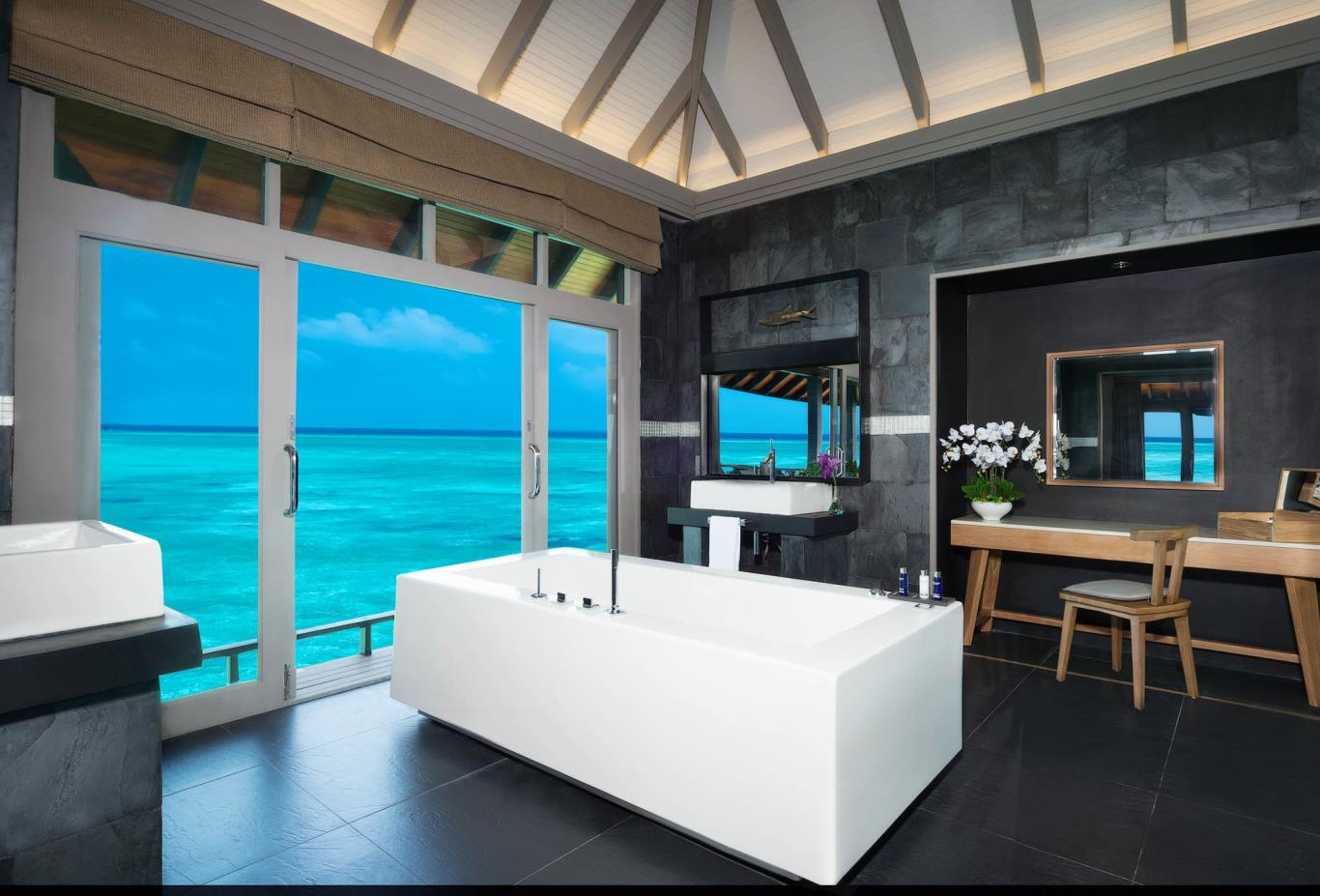 Grand Water Two Bedroom Suites With Private Infinity Pool Bath