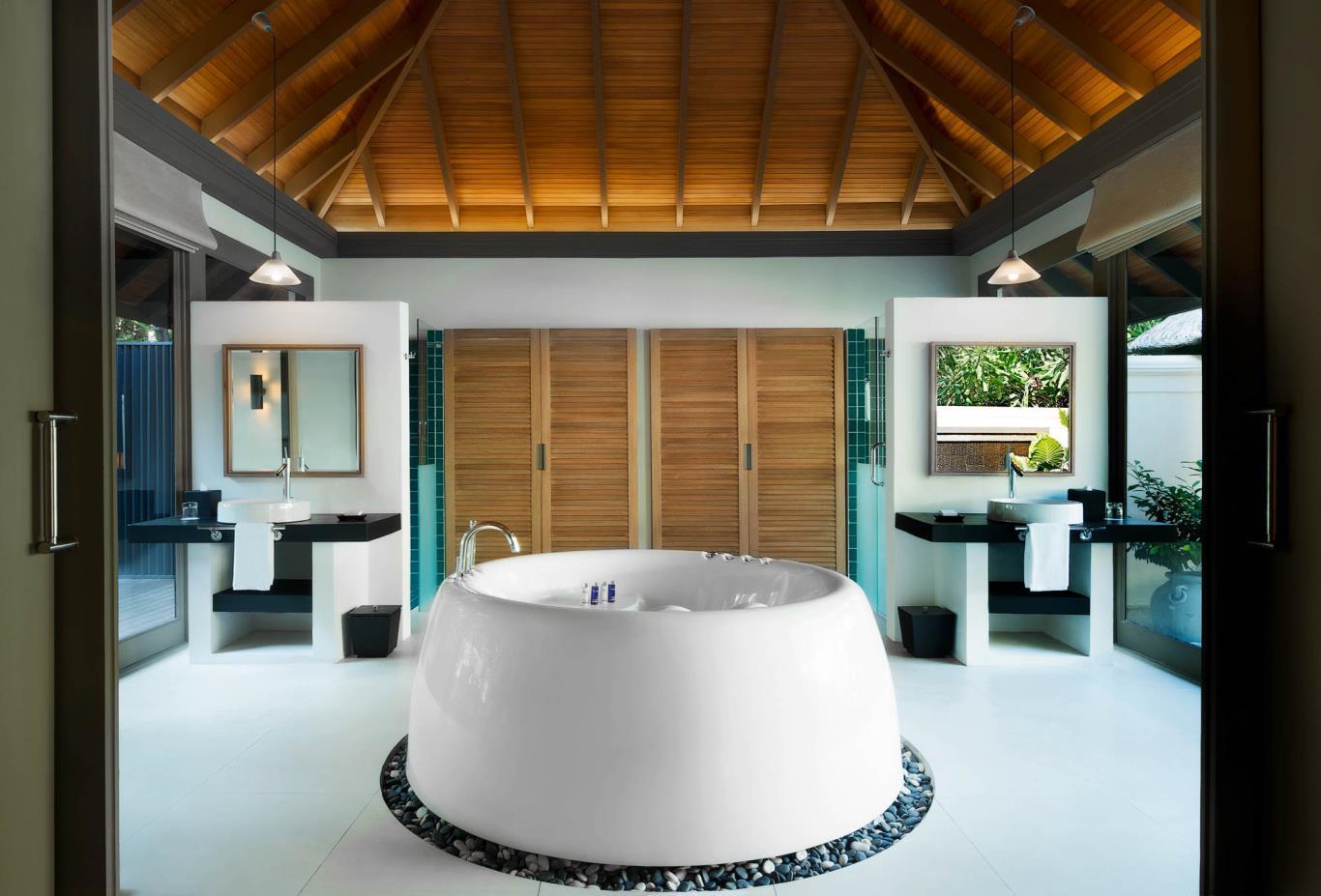 One Bedroom beach Suite Private Infinity Pool