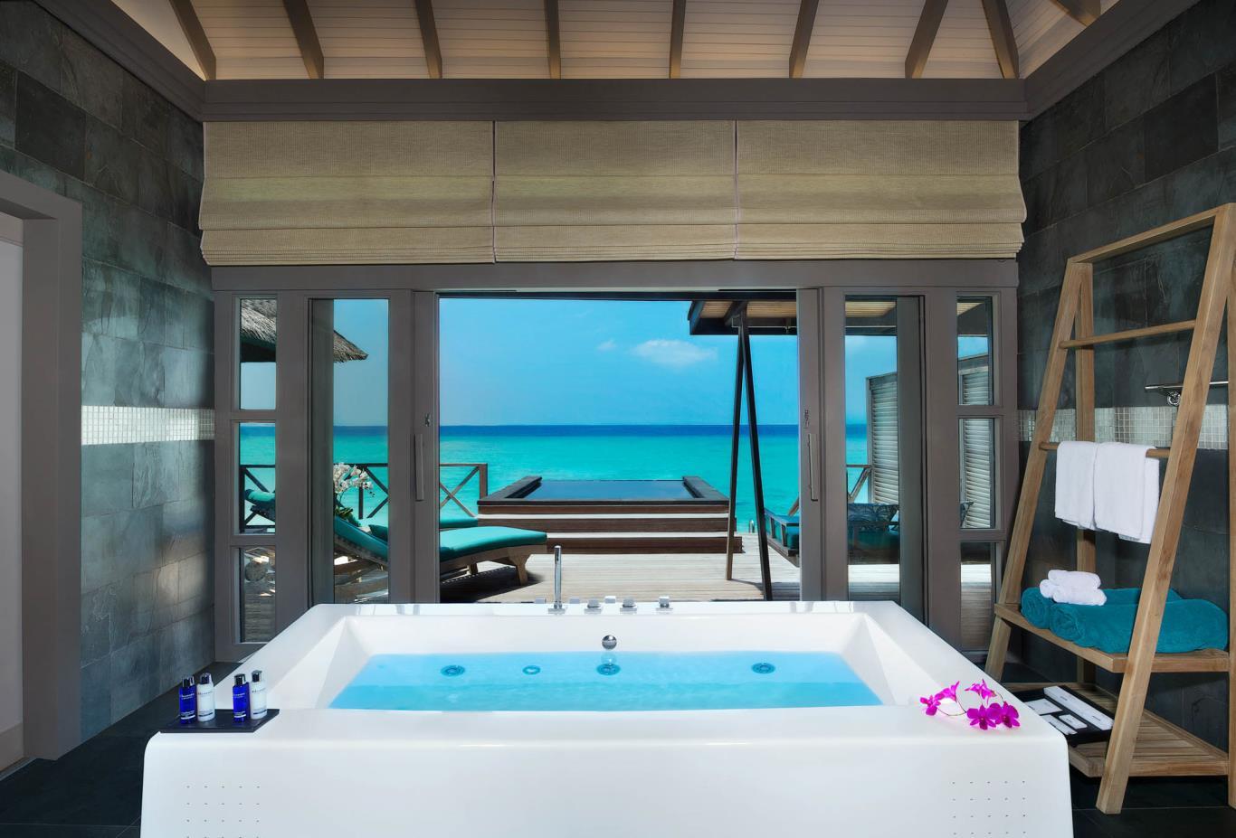 Water Villa Bathtub