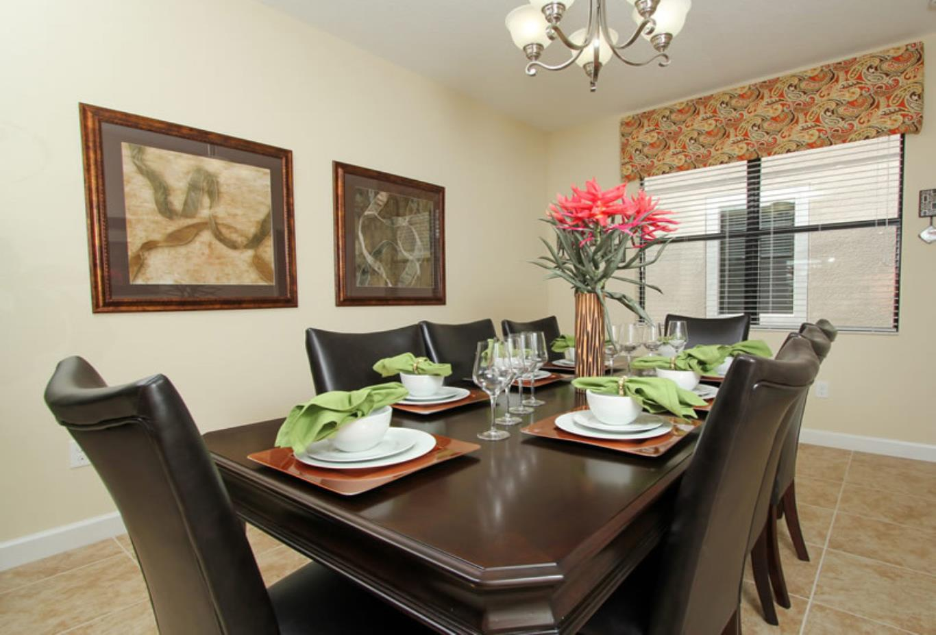 4 Bedroon Home Dining Room