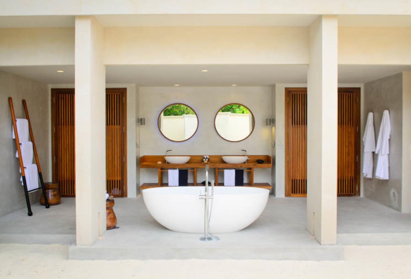 Beach House Bath Bathtub