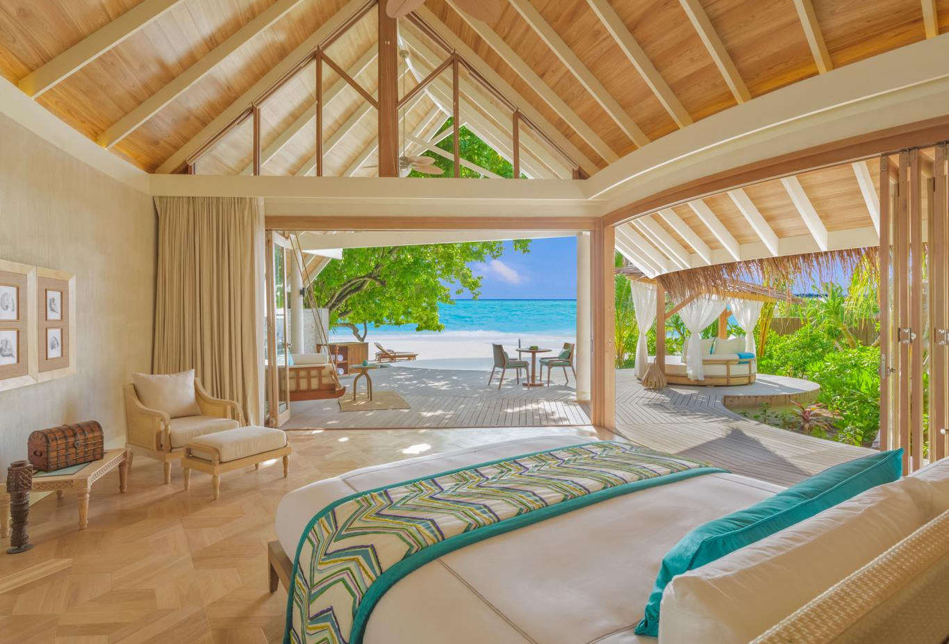 Milaidhoo beach pool villa bedroom