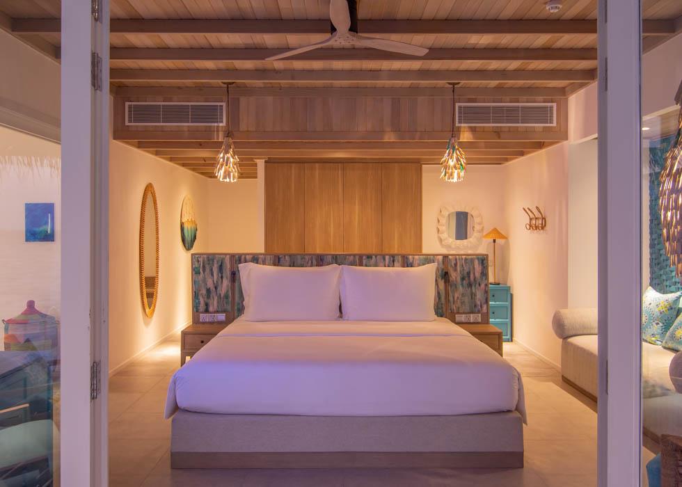 Ocean Pool Villa bed