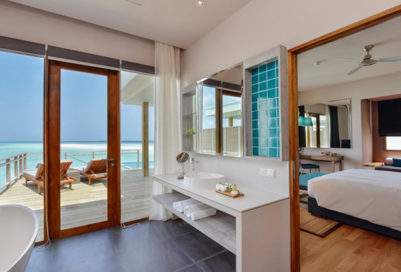 Lagoon Villa with Pool bathroom