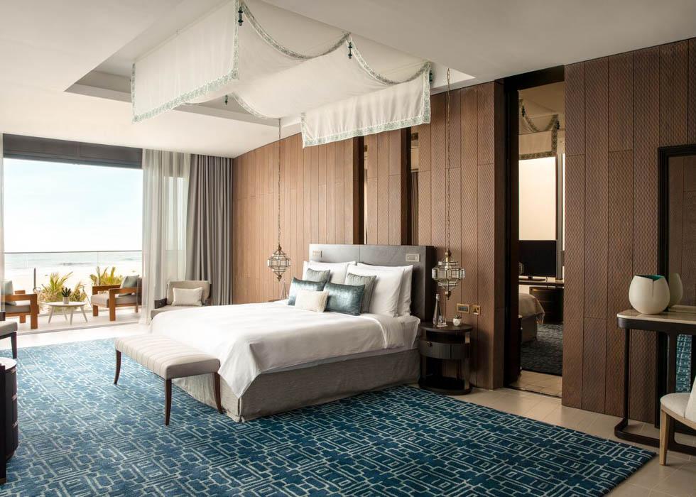 Three bedrooms Villa   King Bedroom (2)