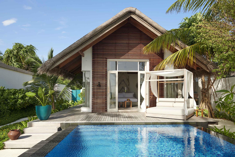 Deluxe Beach Sunrise Villa exterior