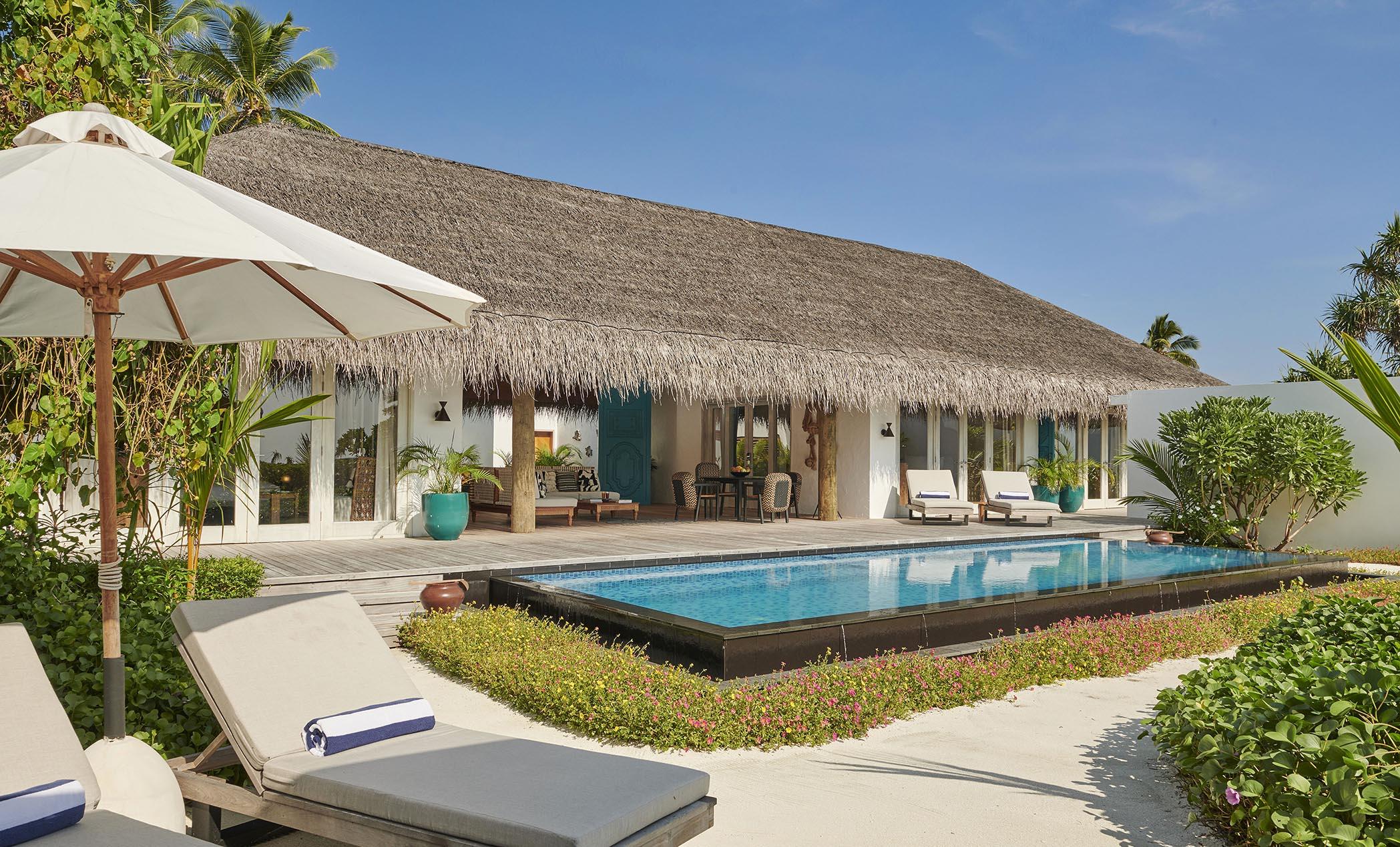 Three Bedroom Beach Sunset Villa pool