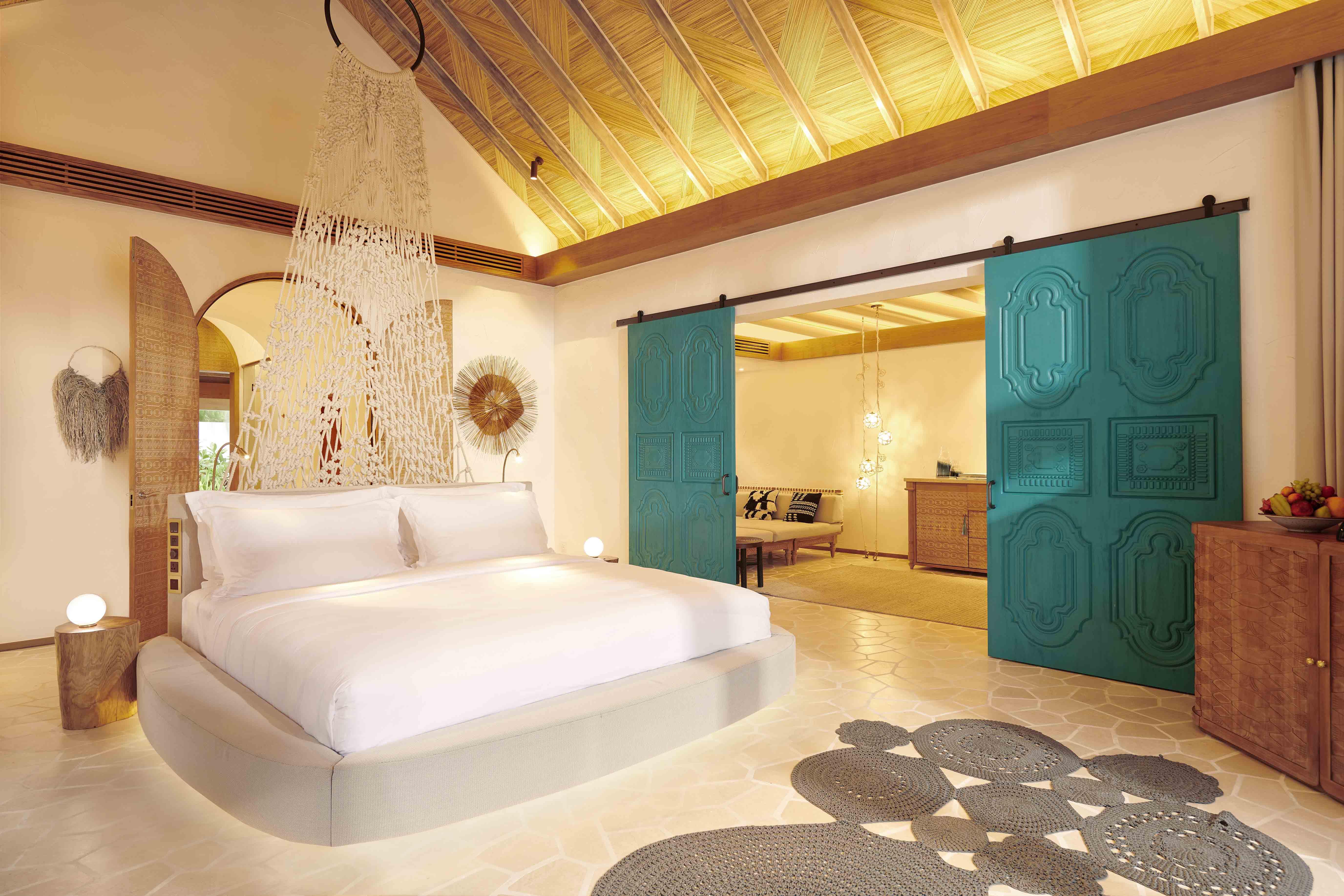 Deluxe Beach Sunset Villa bedroom