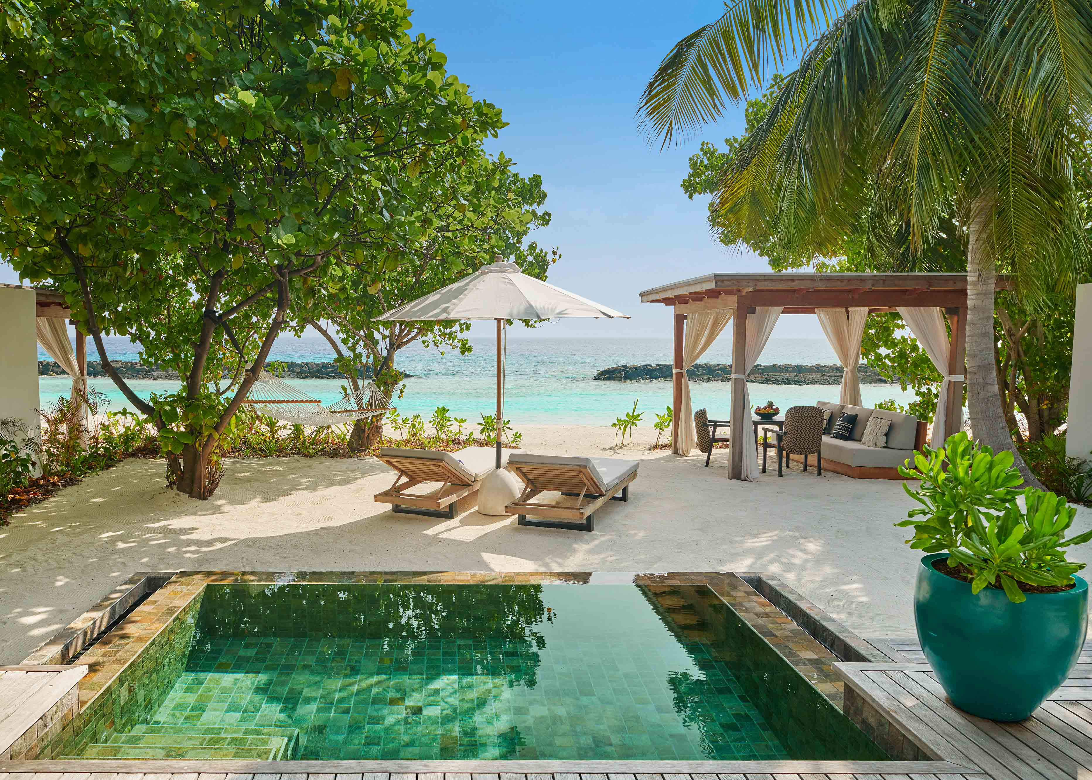 Beach Sunrise Villa pool