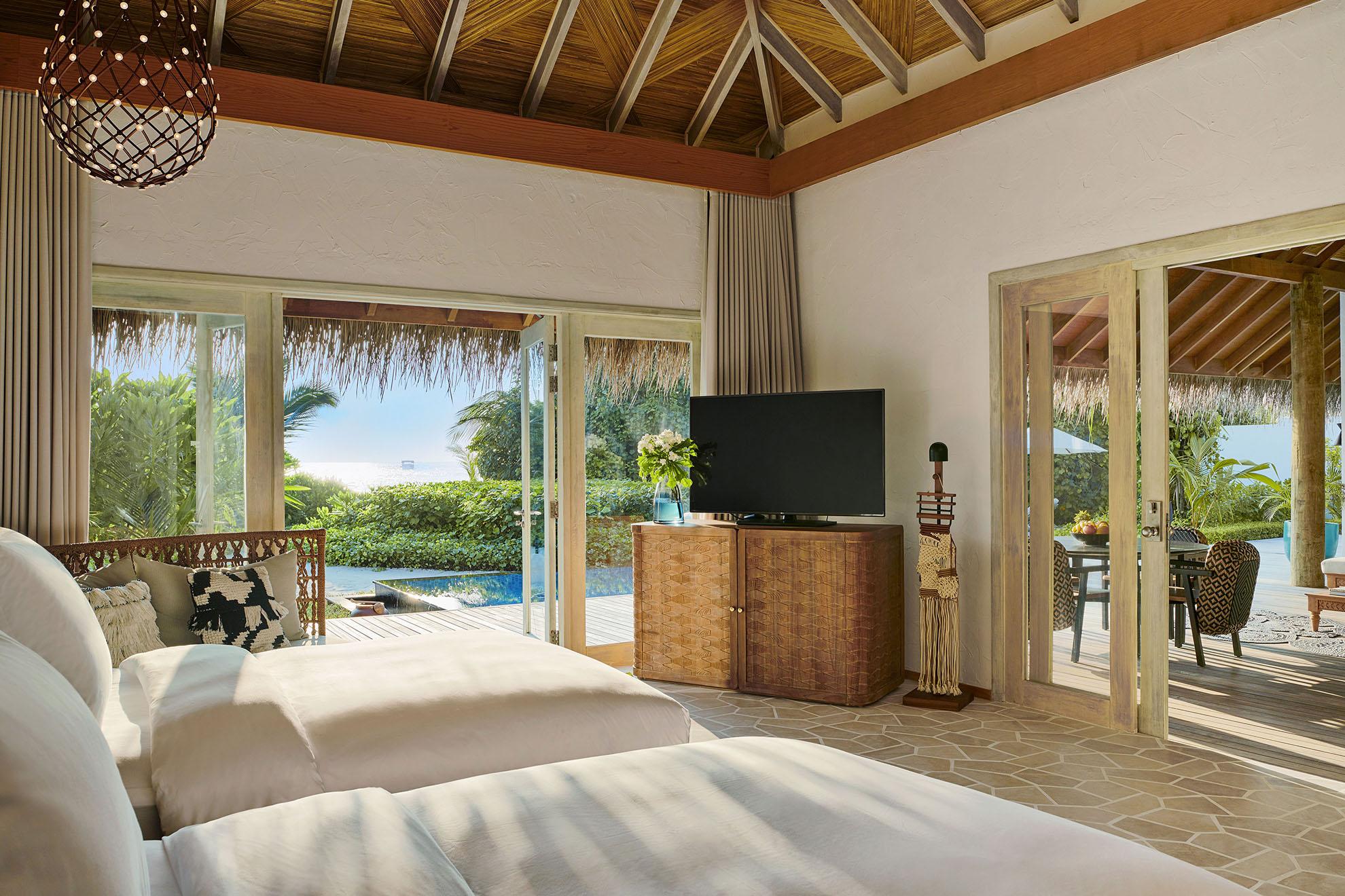 Three Bedroom Beach Sunset Villa bedroom