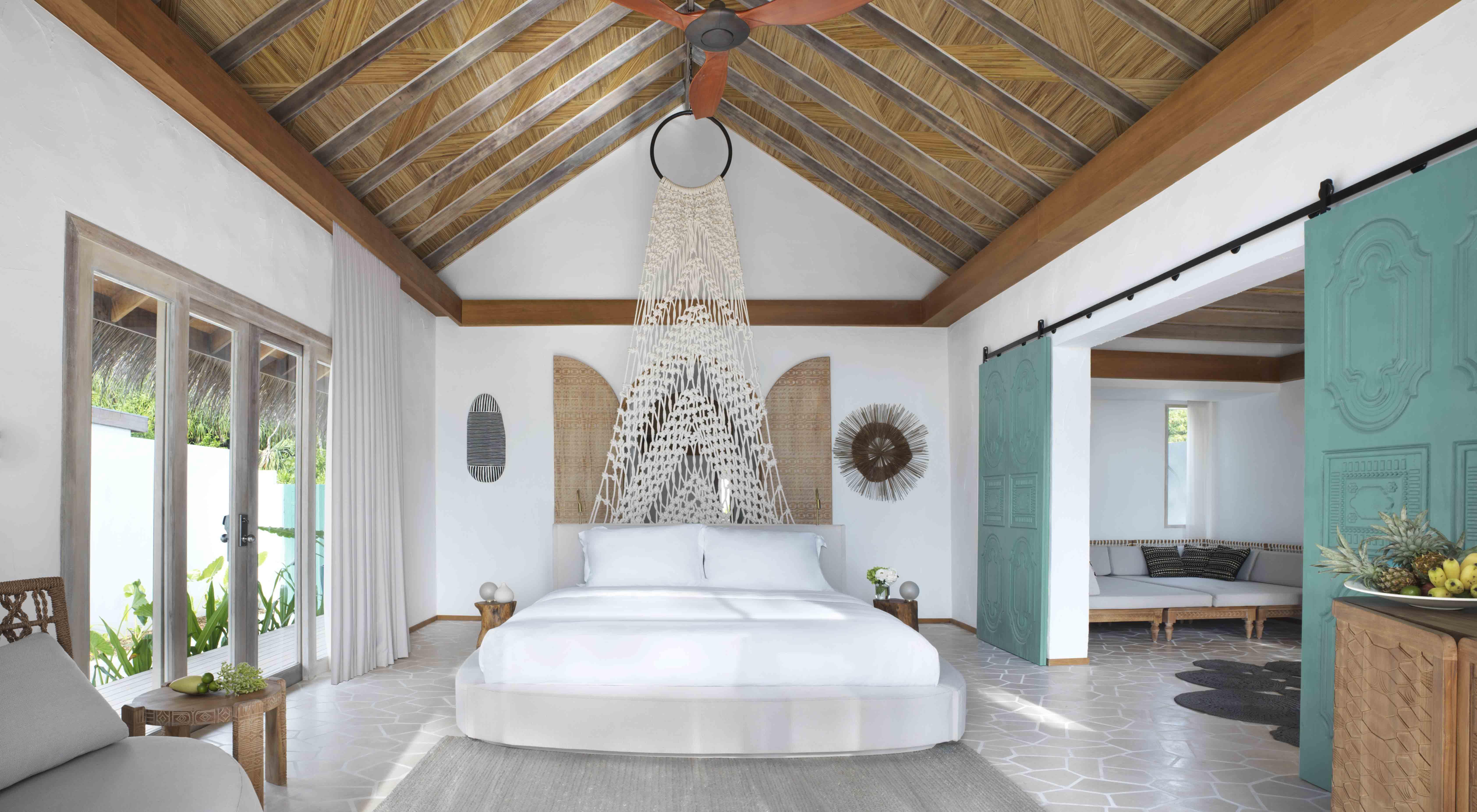 Deluxe Beach Sunrise Villa  bedroom