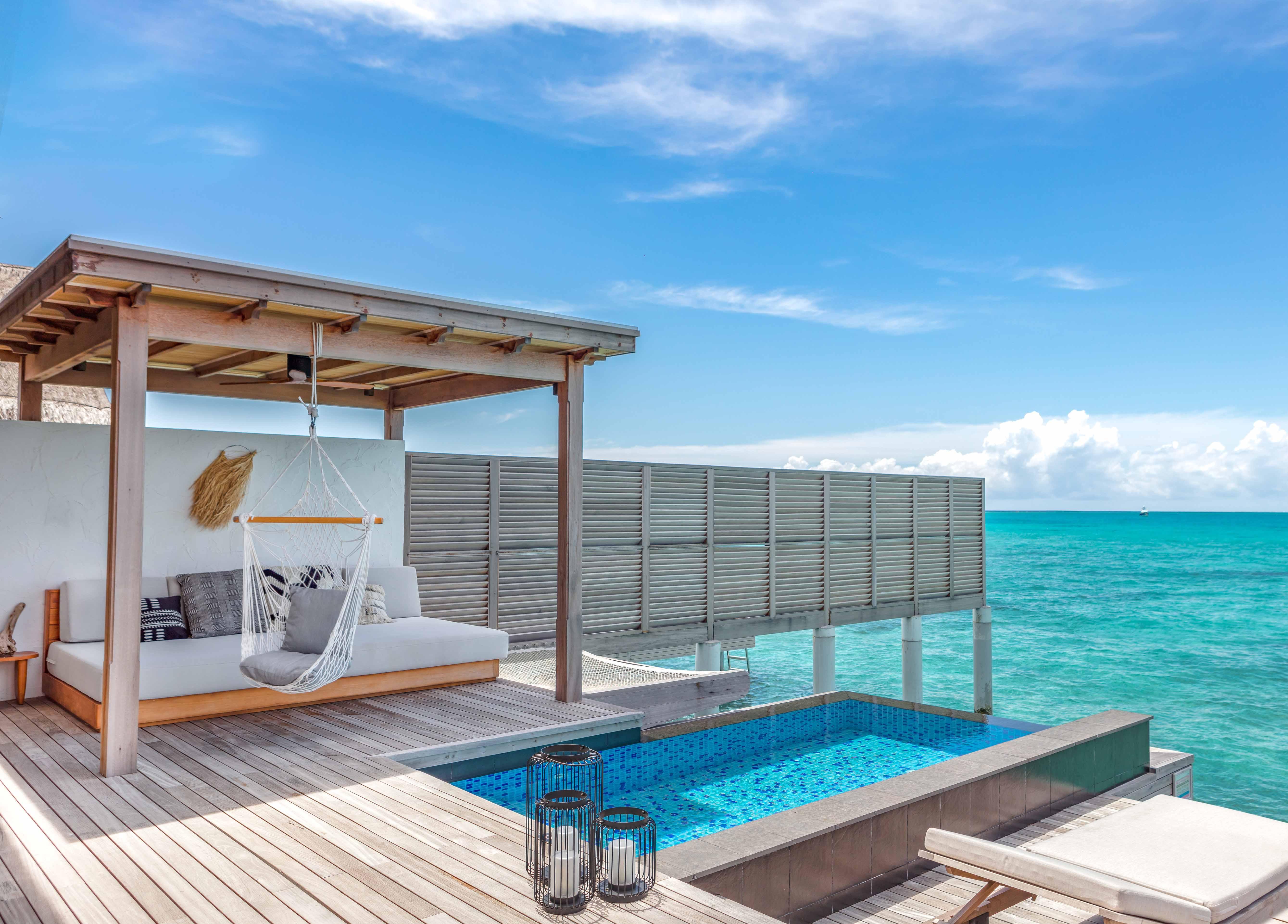 Three Bedroom Water Sunset Villa pool