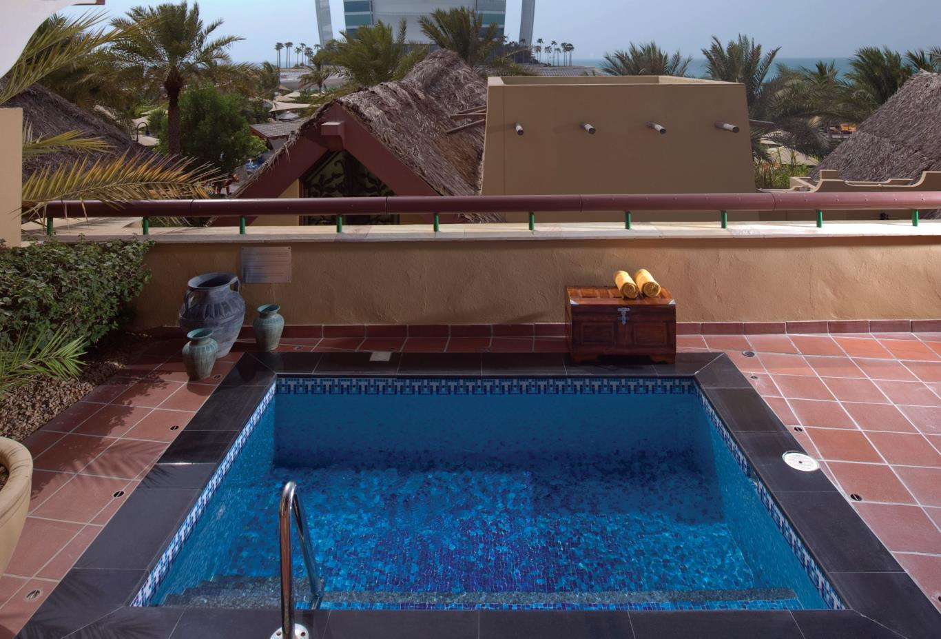 Plunge-Pool-Burj-Al-Arab-View