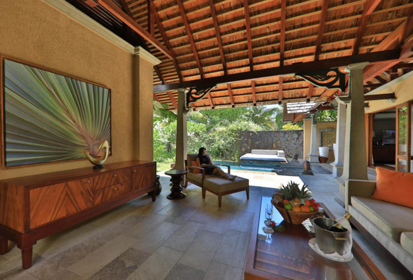 Beachfront Luxury Suite Pool Villa exterior