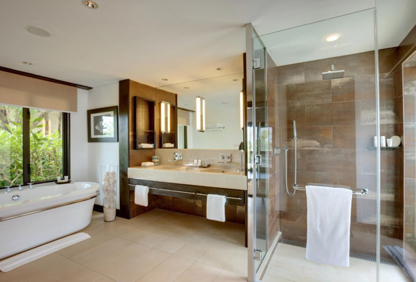 Beachfront Villa bathroom