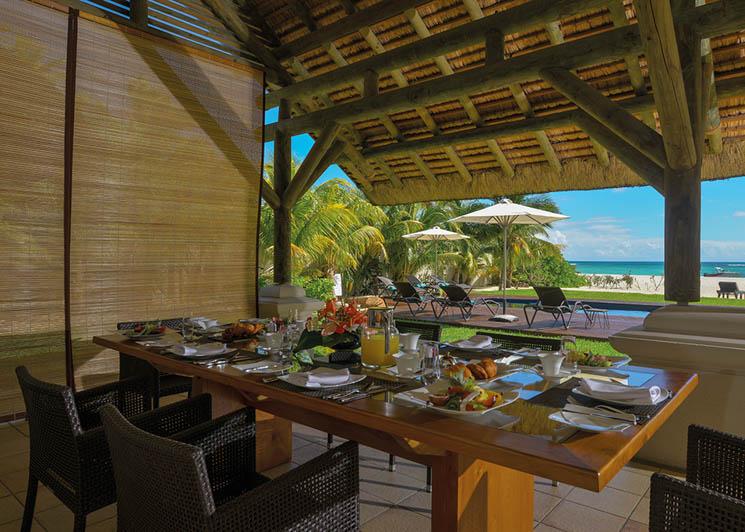 Dinarobin Villa dining