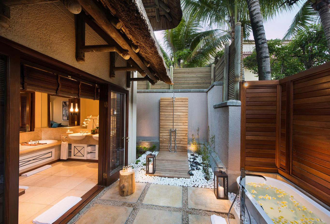 Presidential Villa outdoor shower