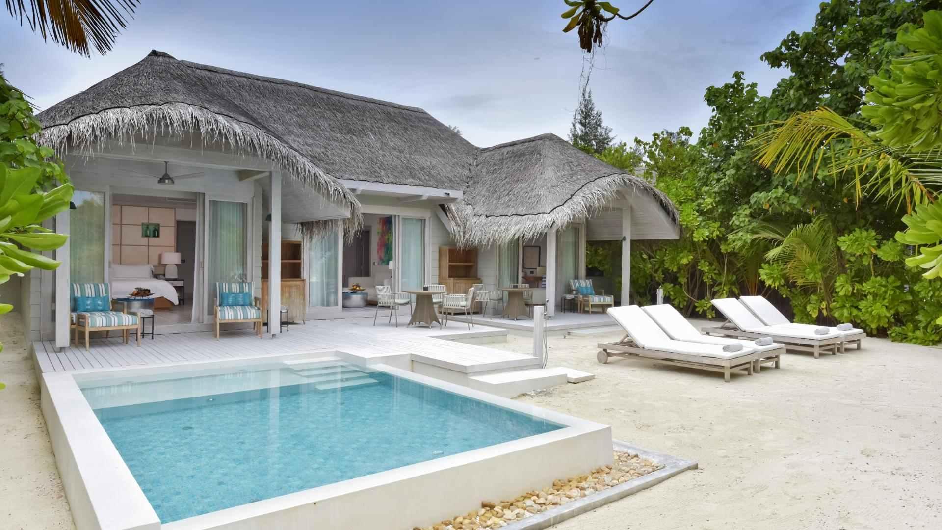 Grand Beach Pool Villa pool