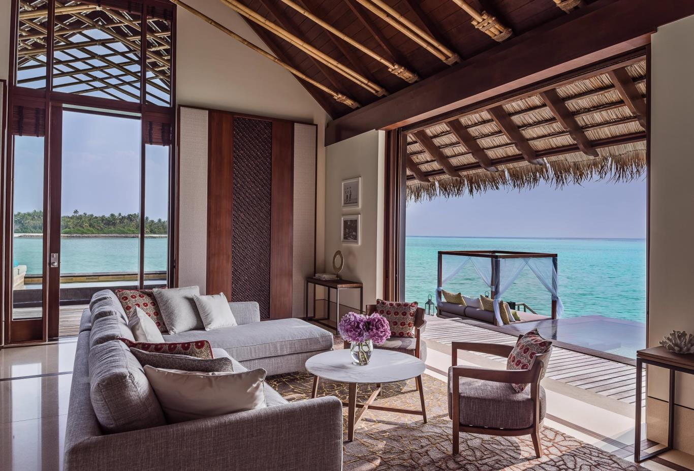 Grand Water Villa living room