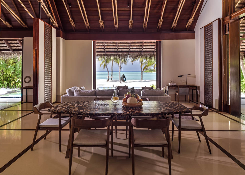 Grand Beach Villa dining
