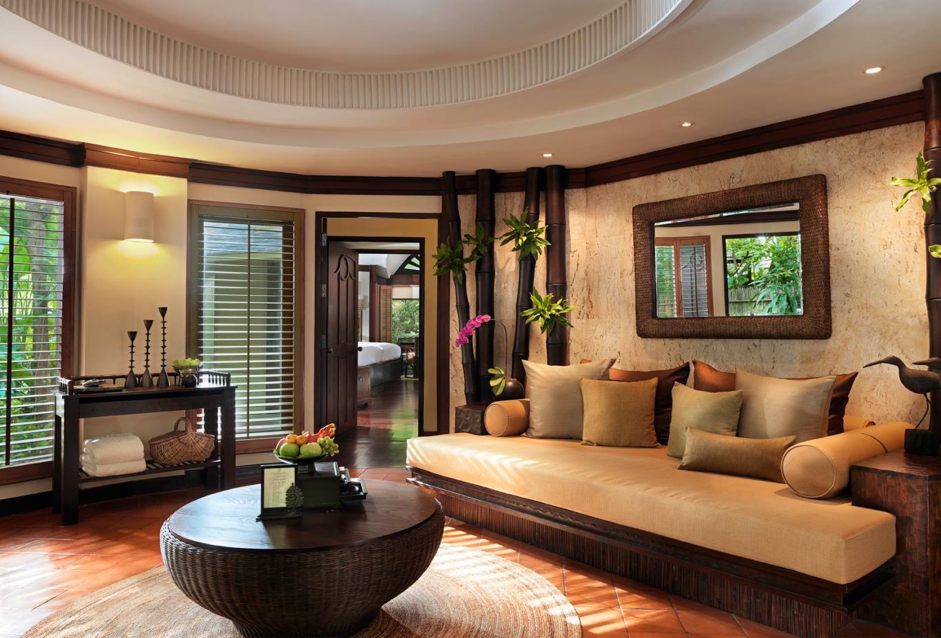 Family-Pavilion-Living-room