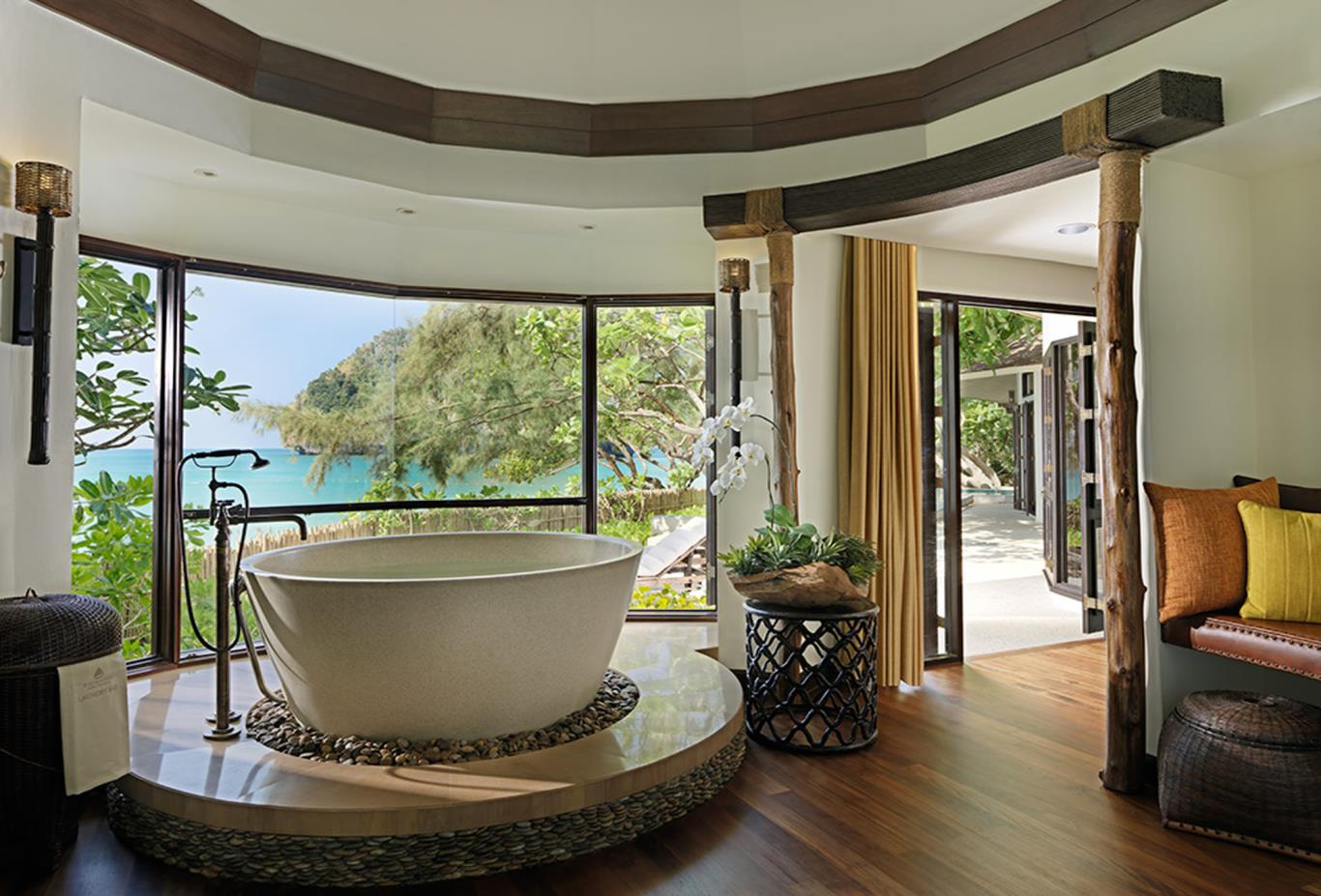 Rayavadee Villa Bathroom Suite
