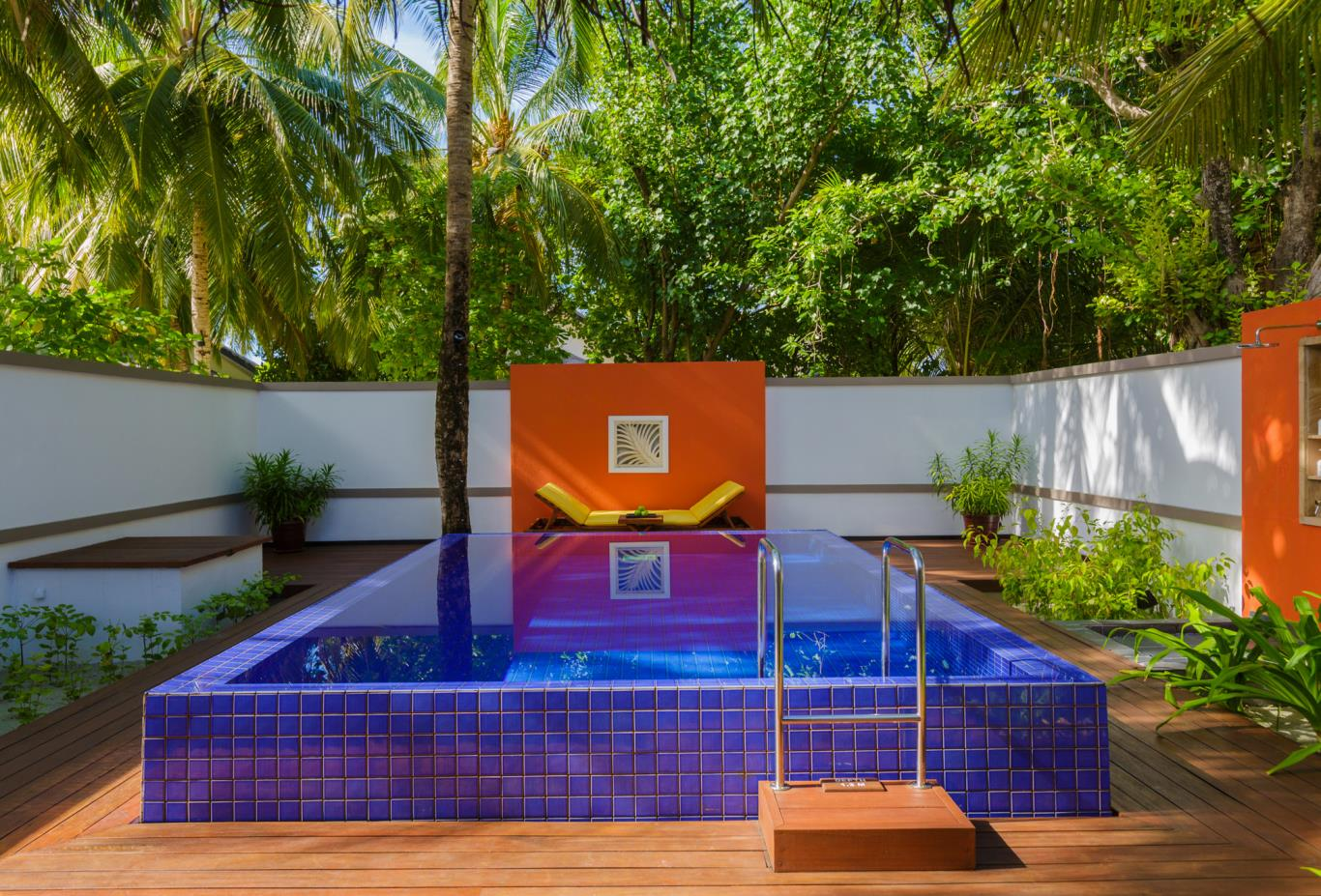 Deluxe Beachfront Pool Villa- Pool