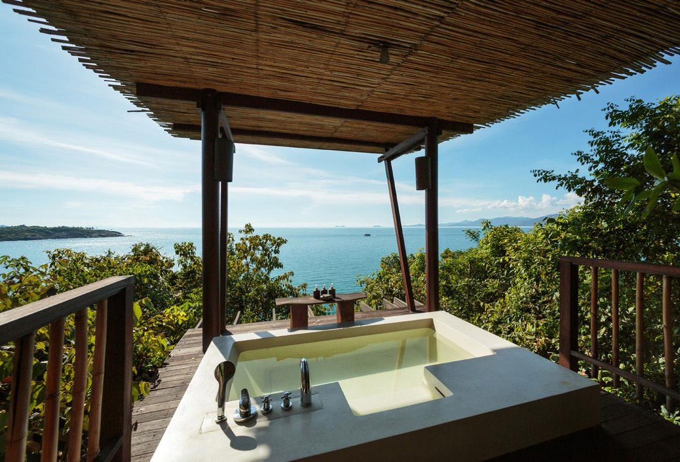 The Retreat Outdoor Bathroom