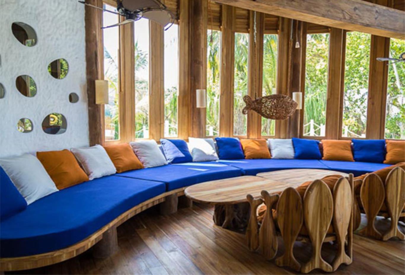Villa 41 Lounge