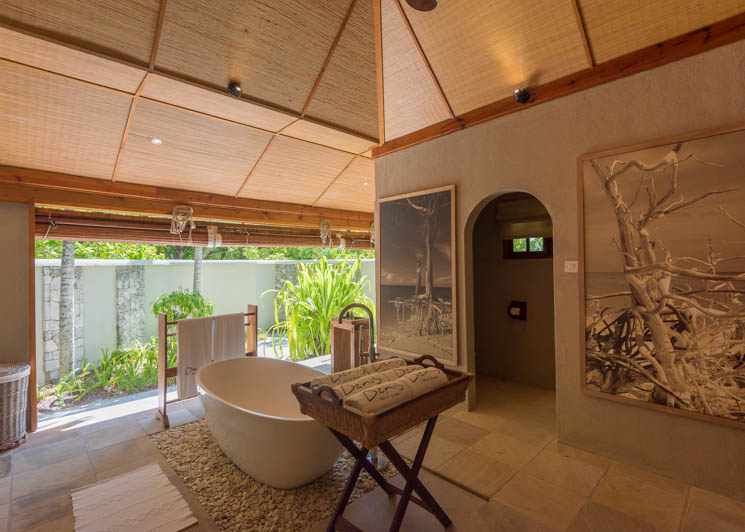 Beach Villa Bathroom1