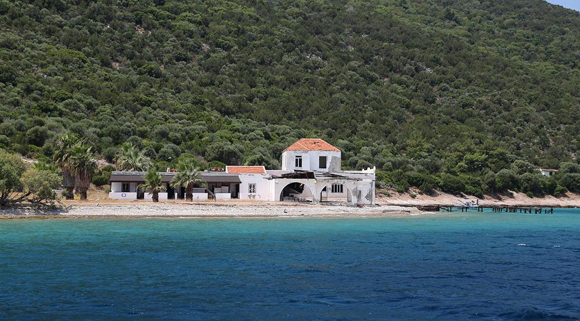 Building on the shores of Karaada
