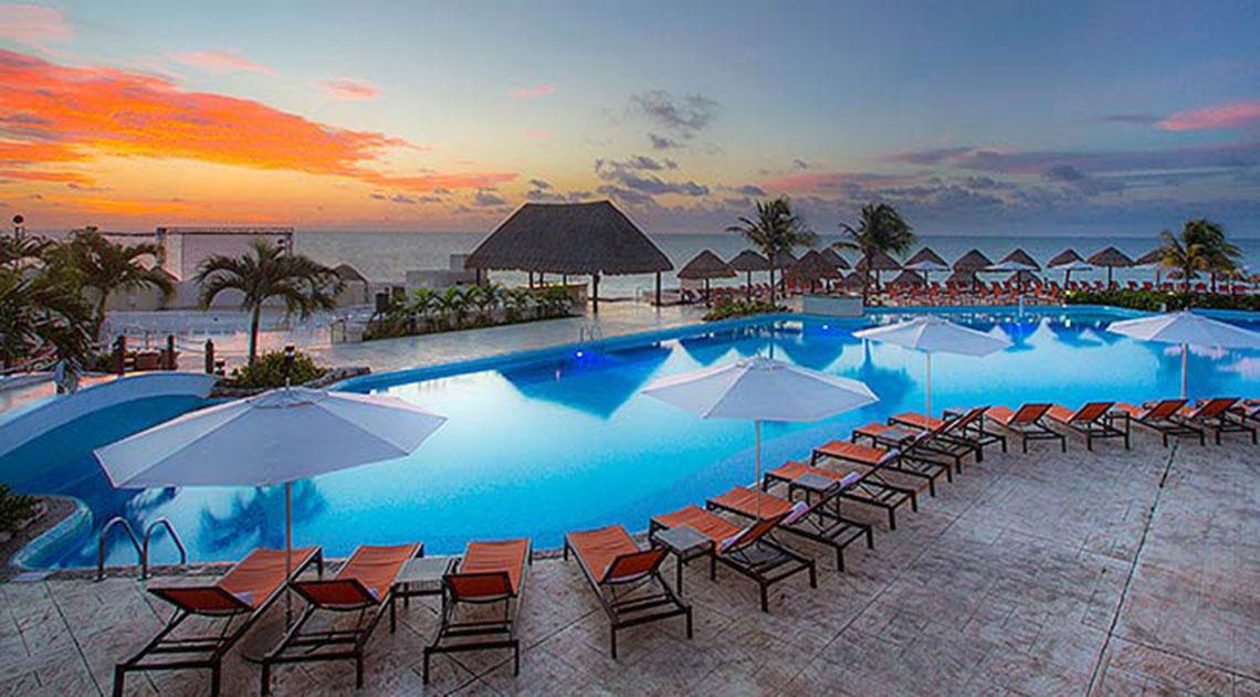 Moon Palace Cancun swimming pool