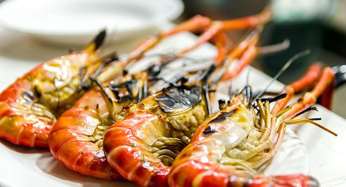 Large whole prawns