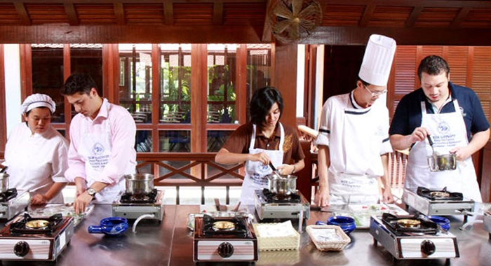 Cookery class with chef