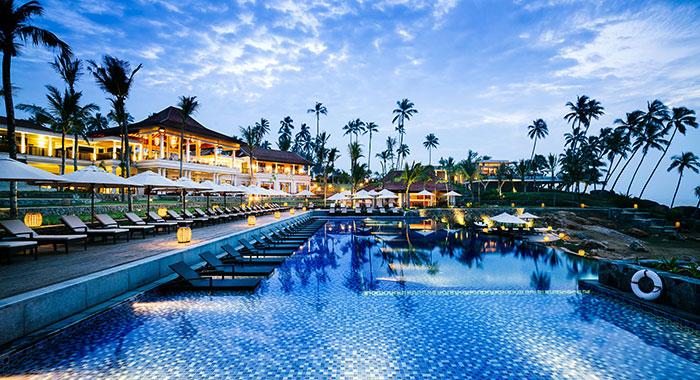 Shangri-La's Hambtona Resort & Spa swimming pool in the evening