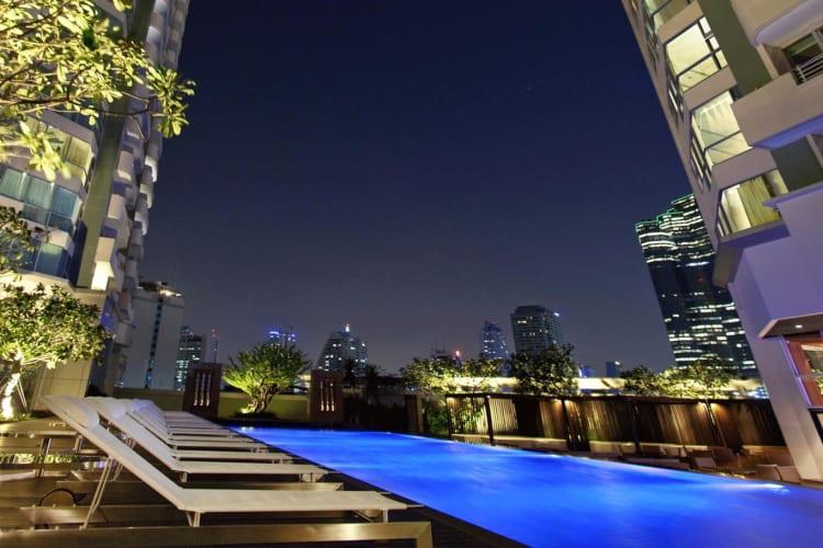 Twin tower Pool