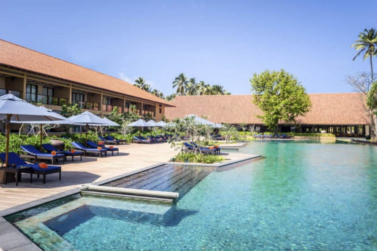 Swimming pool at Anantara Kalutara