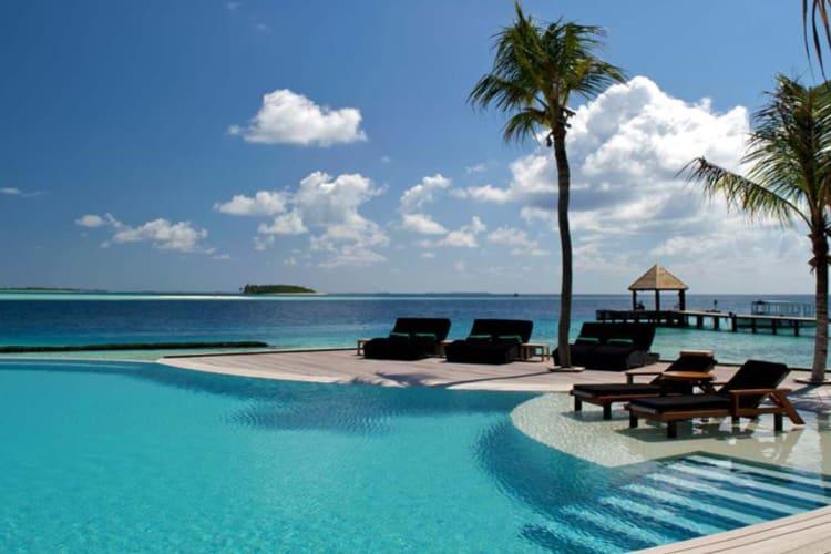 Komandoo Island 2