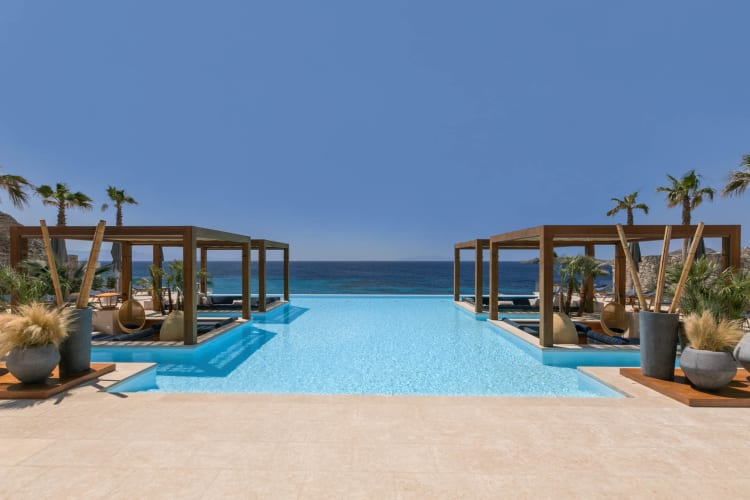 Oasis Pool Lounge