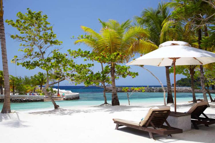 GoldenEye Beach & Loungers