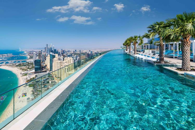 Floor 77 Infinity pool view