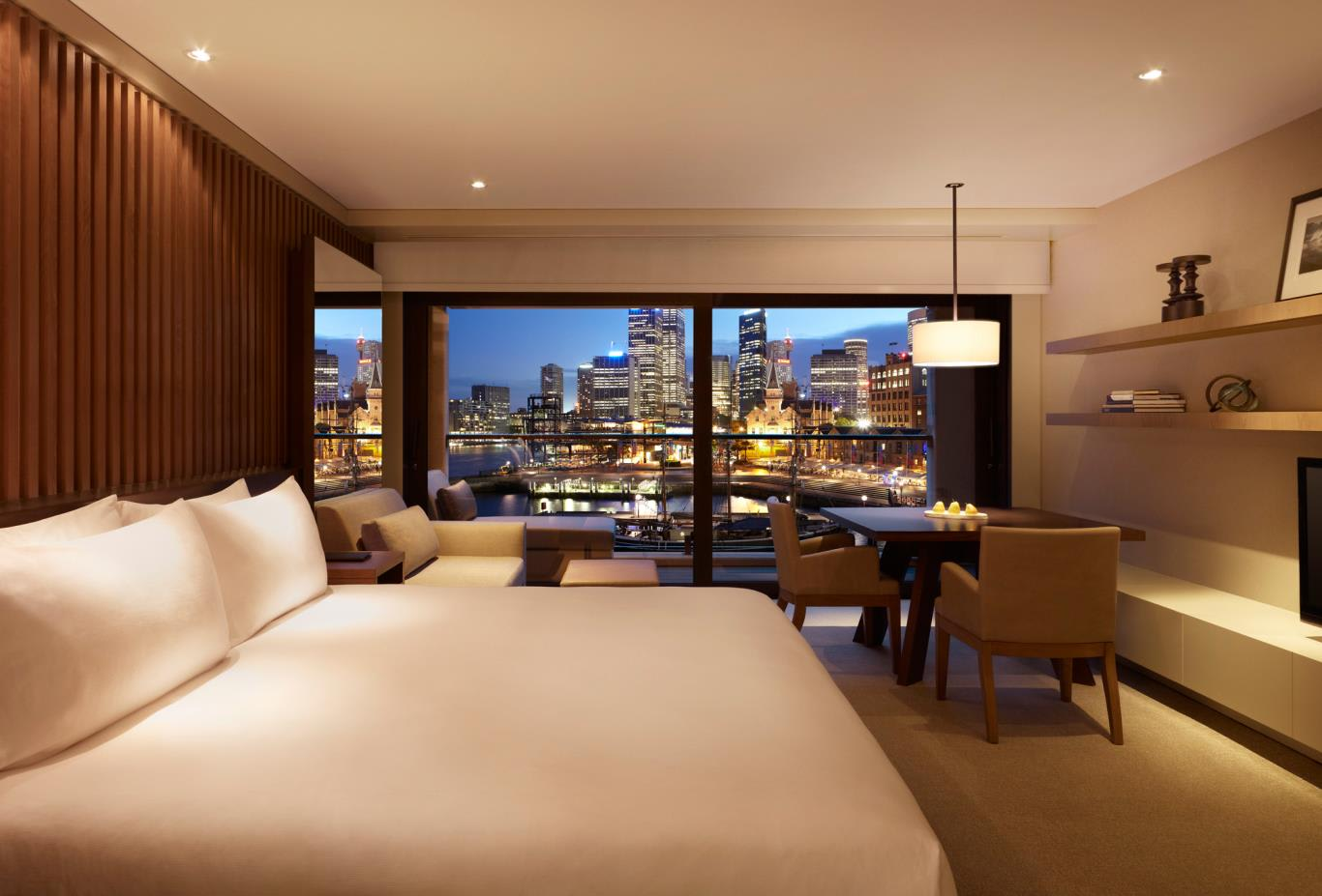 City-Harbour-Room-