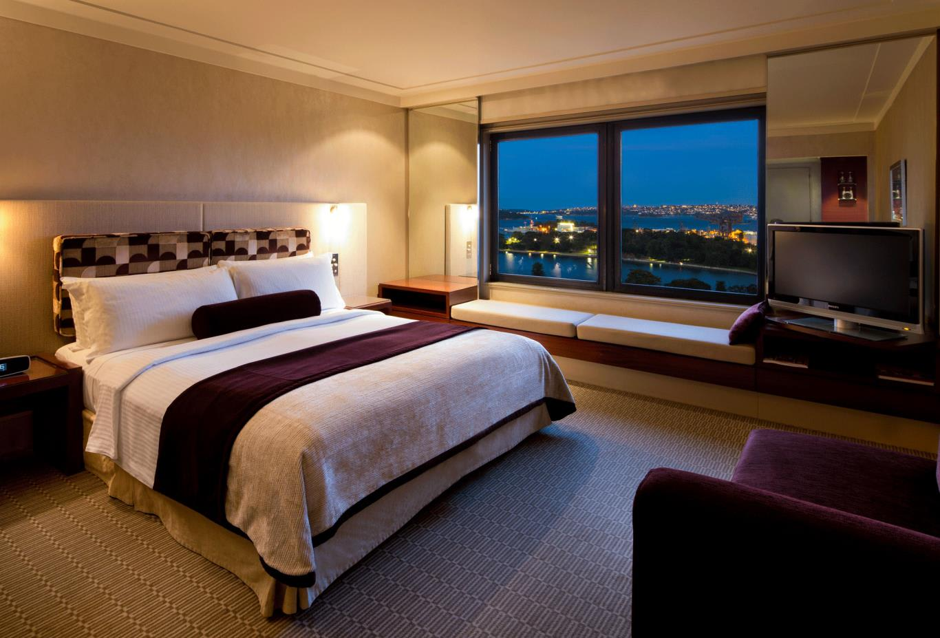 King-Club-Eastern-Harbour-View-Room