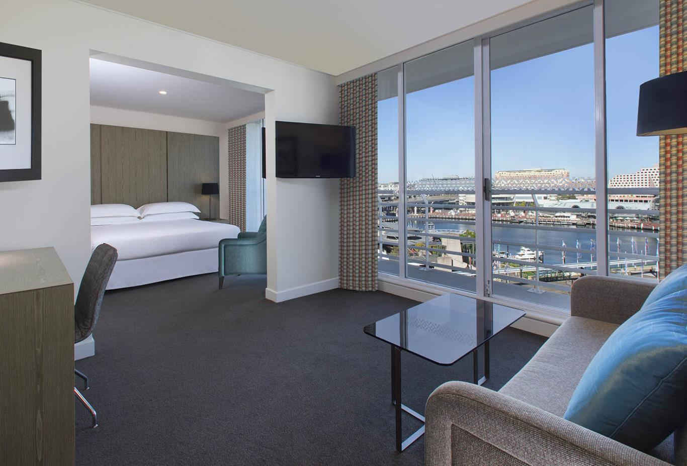 Premium Darling Harbour Suite