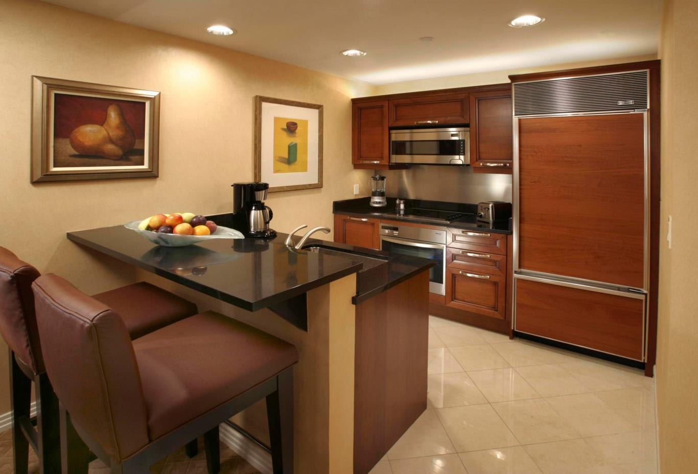 One Bedroom Balcony Suite Kitchen