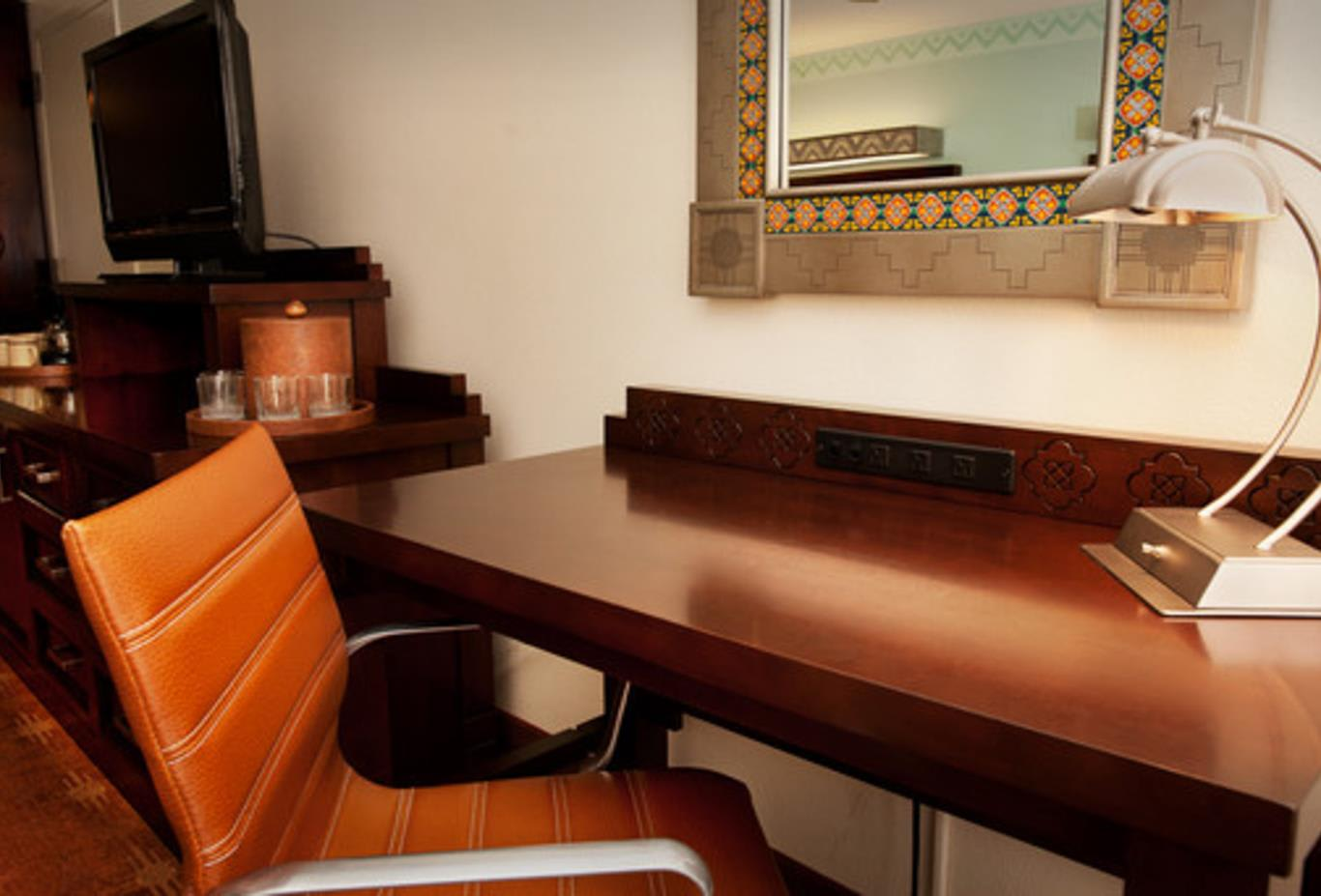 King Water View Room desk