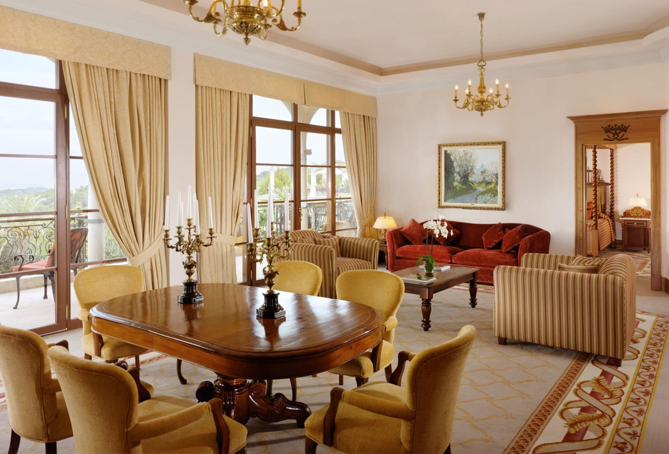 Royal-Suite-Living-Room